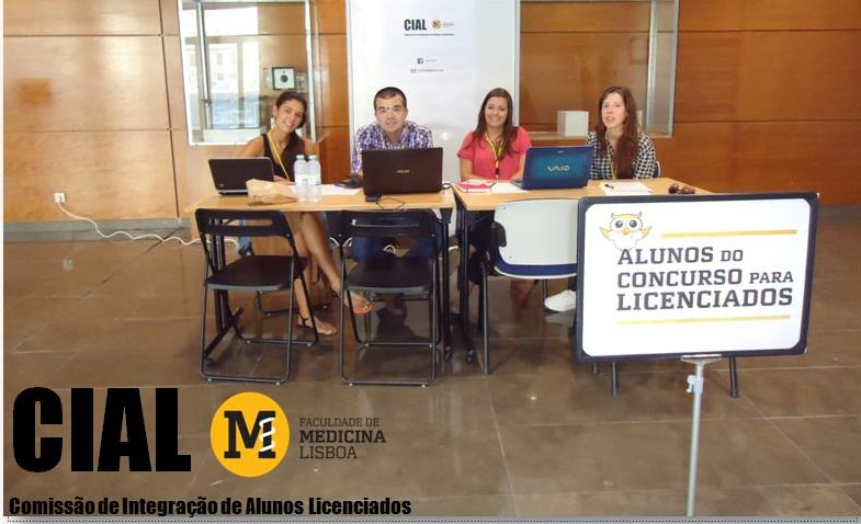 Members of CIAL welcoming graduate students on enrolment day (from left to right, students Sílvia de Lourenço, Cláudio Maroco, Ana Chaves and Carolina Ribau).