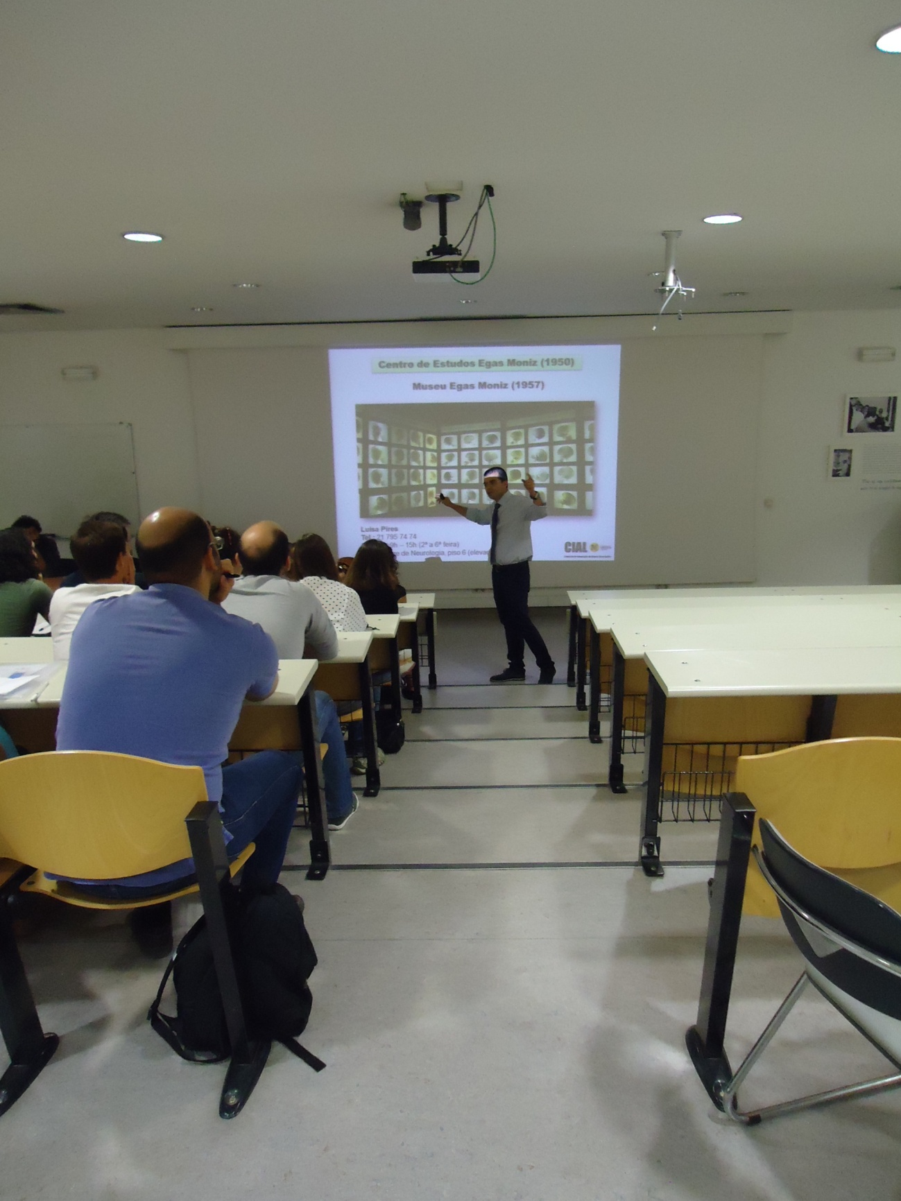 Student Cláudio Maroco during the presentation of CIAL